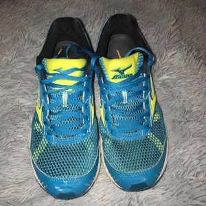 Mazuno Running Shoes